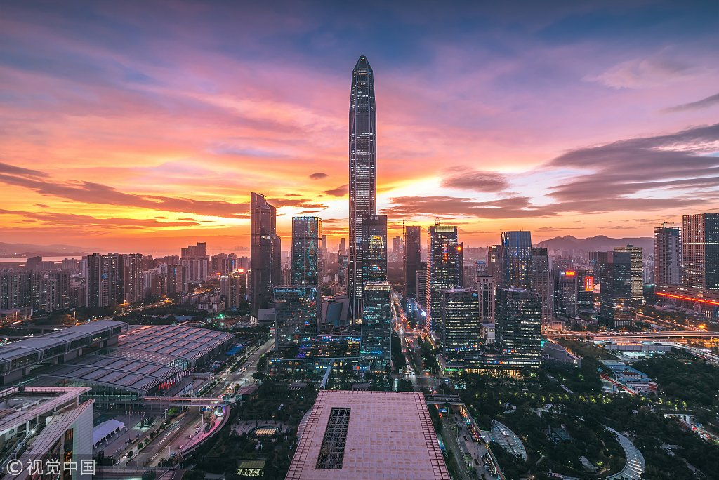 Shenzhen's 2018 gross domestic product surpassed that of Hong Kong, calculated by the annual average exchange rate, for the first time in history.